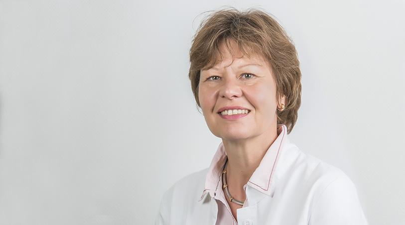Dr. Edith Junglas
